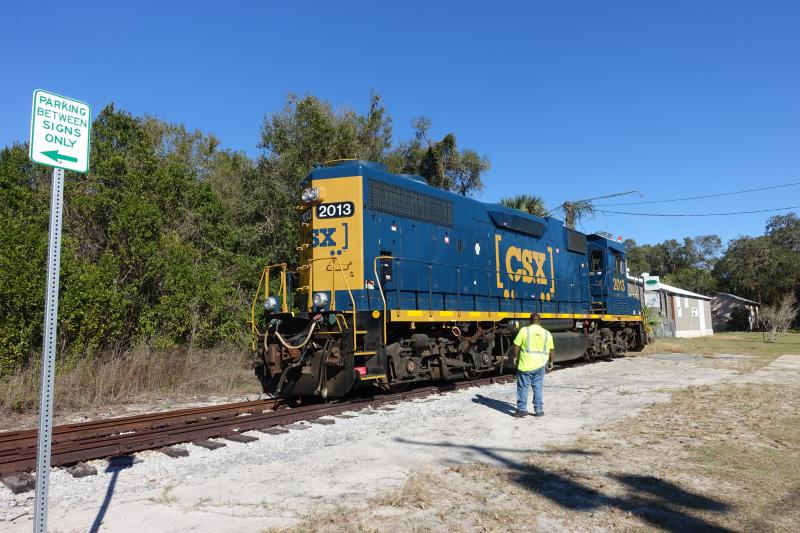 CSX Trains use the spur twice a  week to reverse engine direction in DeLand