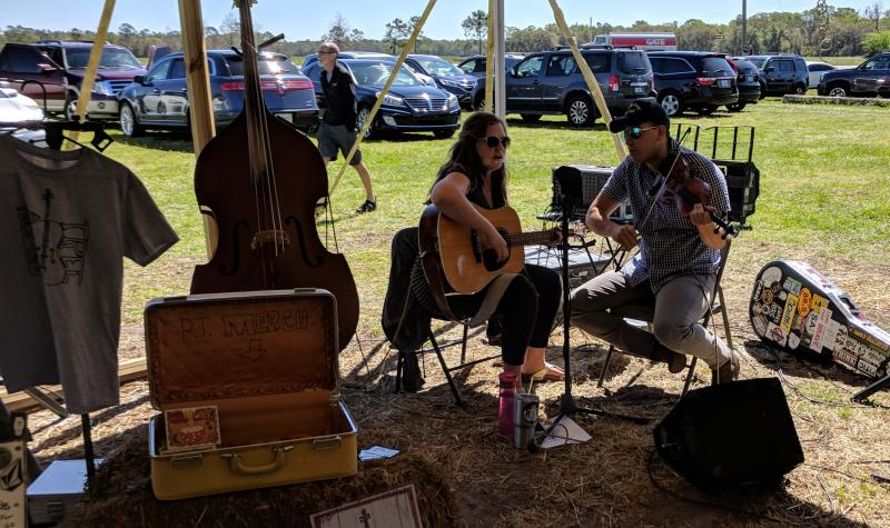 Foot stompin music at Rype and Readi on the River2Sea Loop